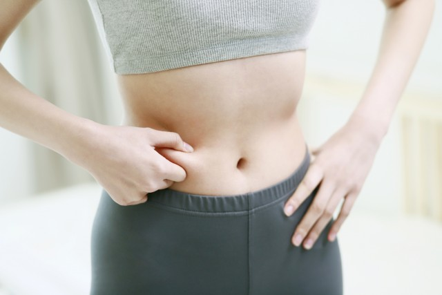 कमर व्यापक है और जोखिम के कल्याण के लिए: सही यहाँ बताएंगे कि कैसे कम करने के लिए वसा पेट पर